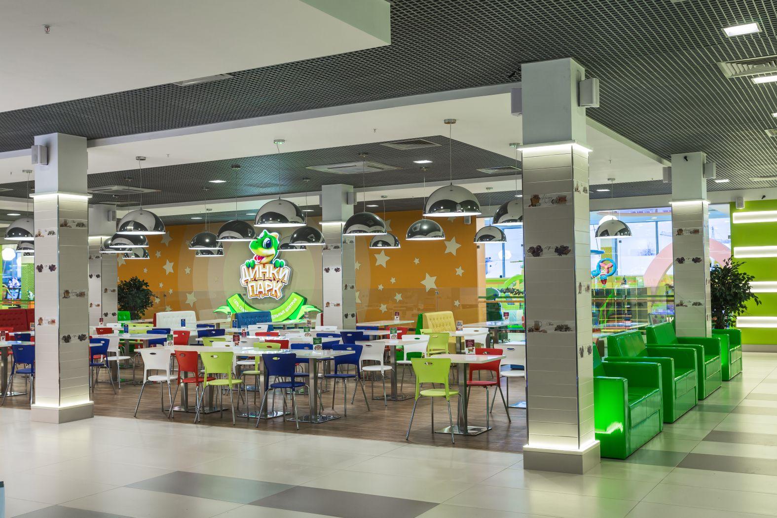Дизайн интерьера фудкорта в общественном месте