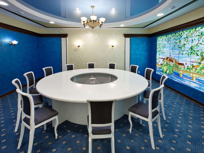 Дизайн интерьера кабинета для переговоров