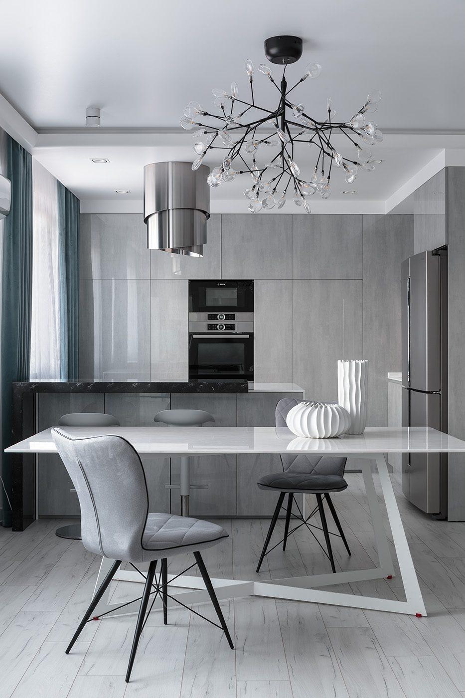 Дизайн и производство кухонного стола из стекла и металла