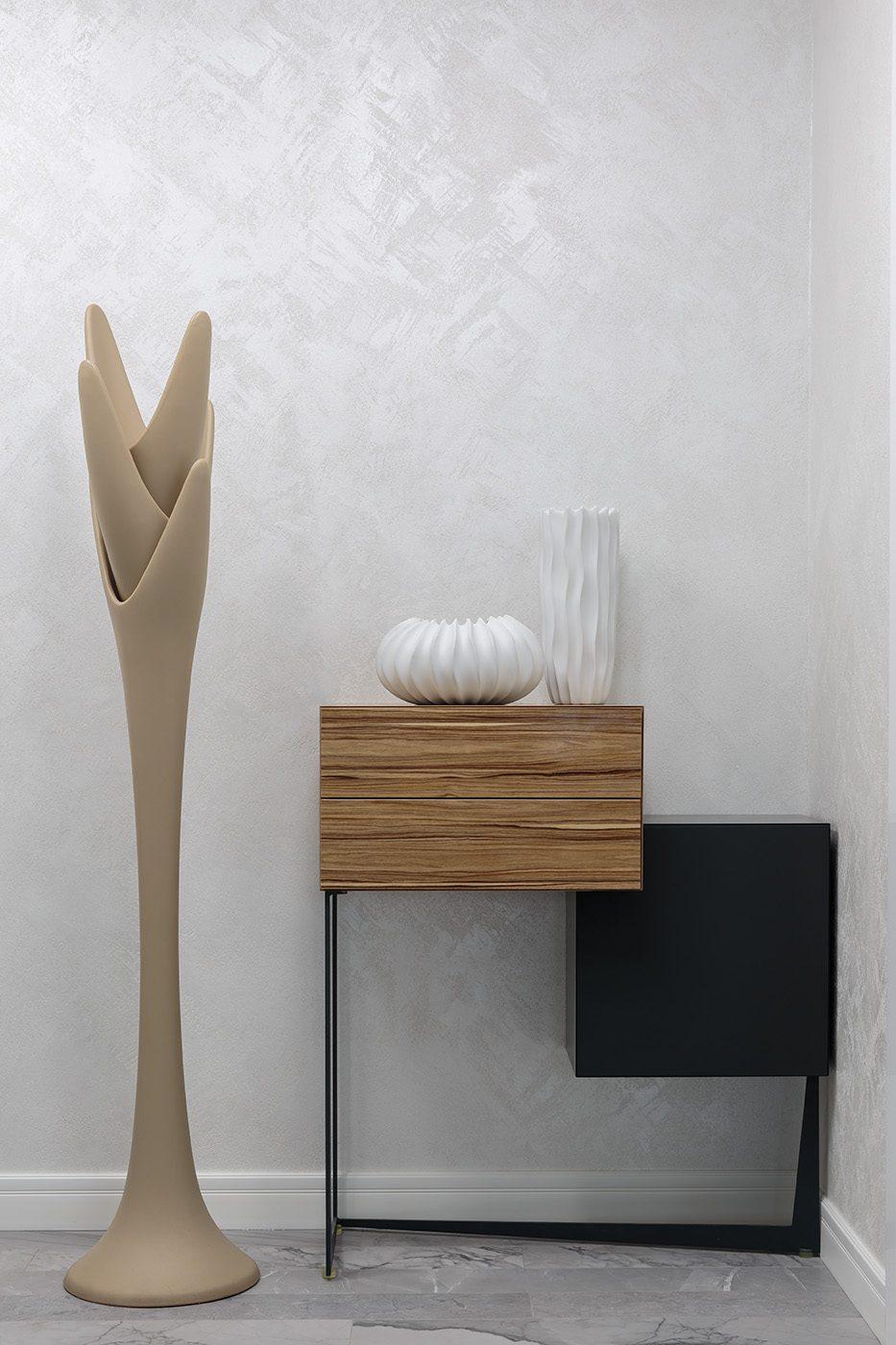 Дизайн и производство стола в прихожую из дерева и металла
