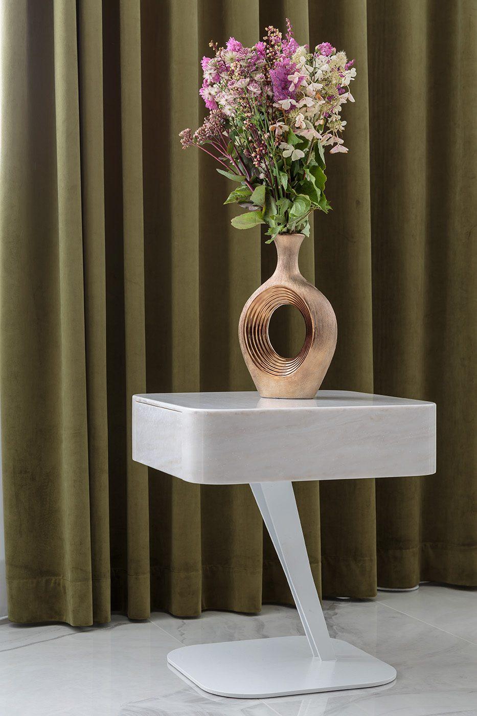 Дизайн и производство стола из камня и металла