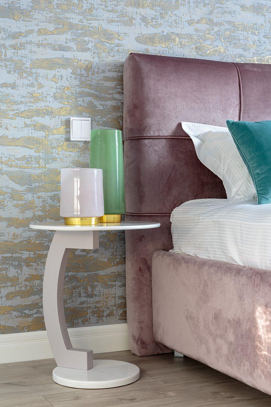 Дизайн и производство стола для спальни из камня и дерева