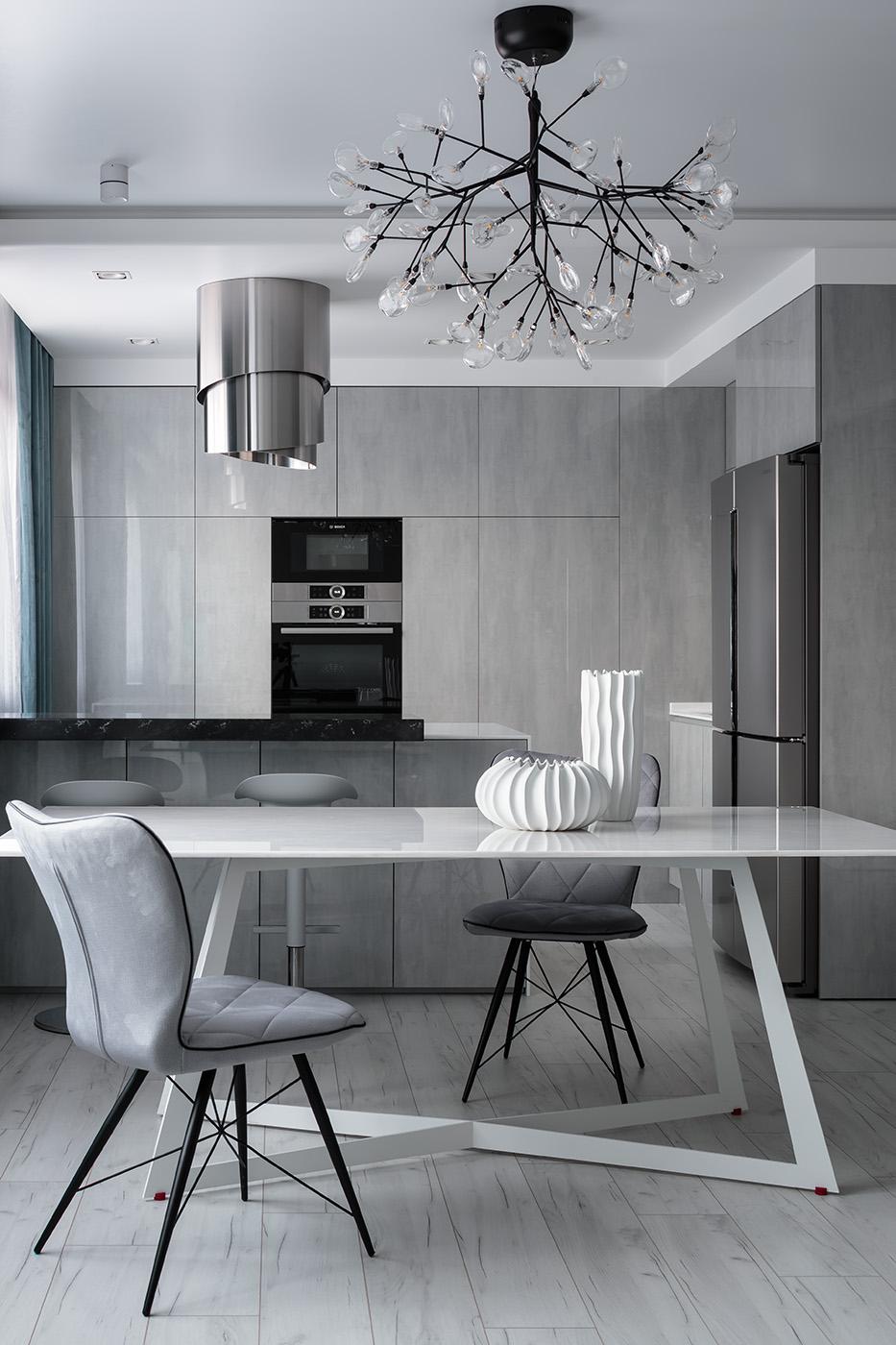 Дизайн интерьера кухонной зоны с дизайнерской мебелью