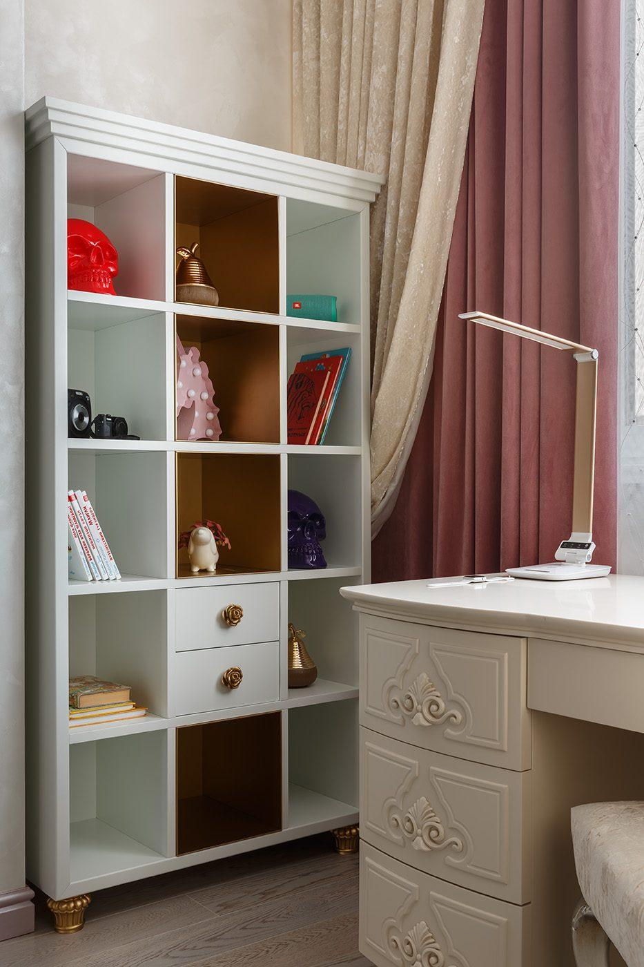 Дизайн интерьера спальни в сиренево-розовых тонах