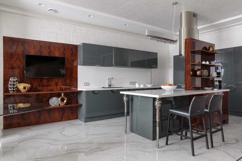 Дизайн интерьера кухни в большой квартире