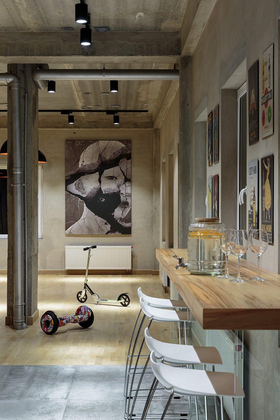 Барная стойка в квартире в стиле лофт
