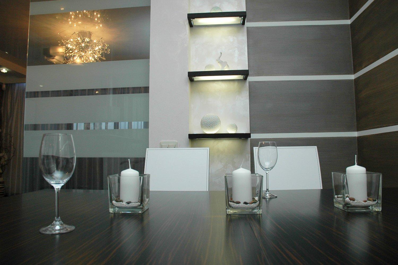 Дизайн интерьера кухни с отделкой стен декоративными красками Ойкос